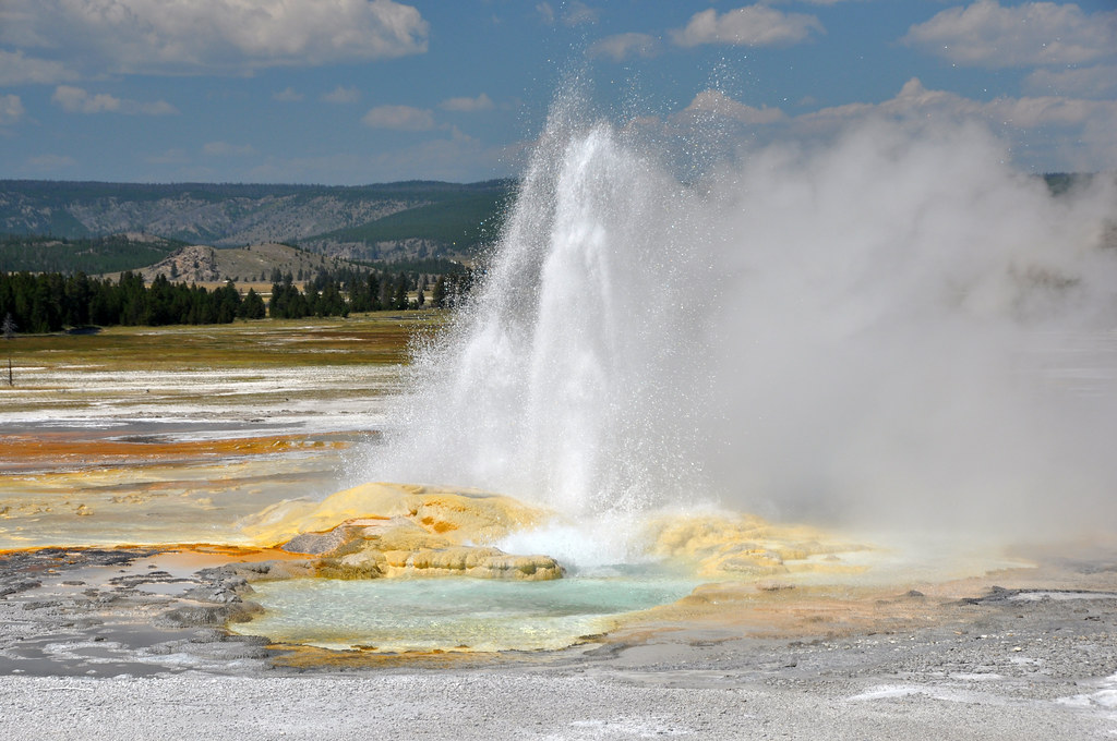 Clepsydra Geyser erupting (late morning, 17 August 2014) 3