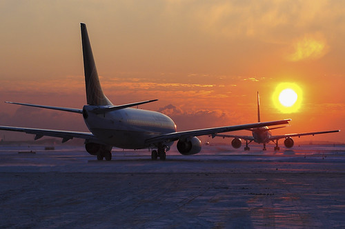 morning winter sun snow weather sunrise airport aircraft aviation airlines airliners chiarello continentalairlines taxiing boeing737 rudychiarello