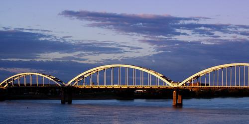 bridge sunrise centennial waterfront iowa ia mississippiriver riverfront davenport daveport