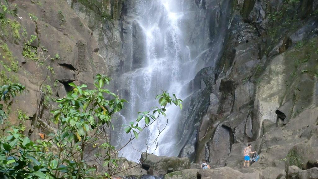 Dominica (Caribbean) - hikers at Trafalgar Fall - Morne Trois Pitons NP