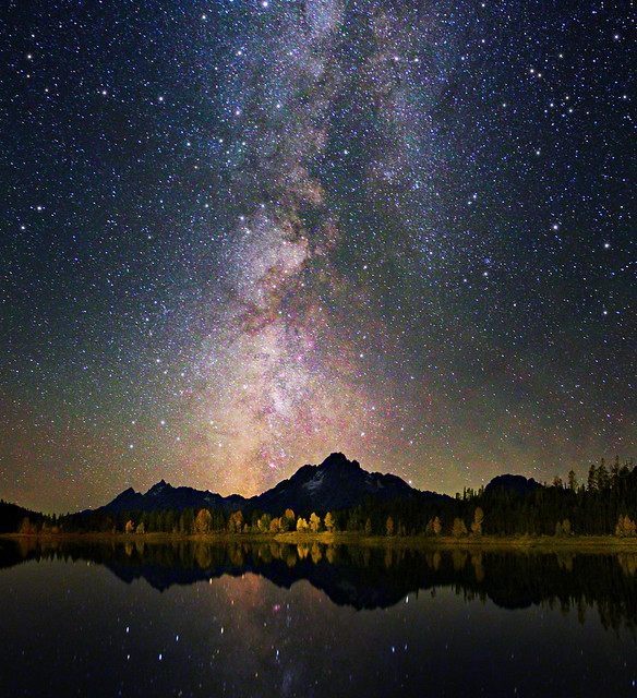 Grand Teton - Colors of night sky and reflection - Astrophotography Canon 60Da
