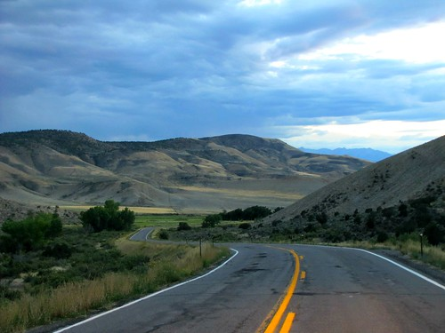 road clouds rural colorado dusk blackcanyonofthegunnison montrosecolorado