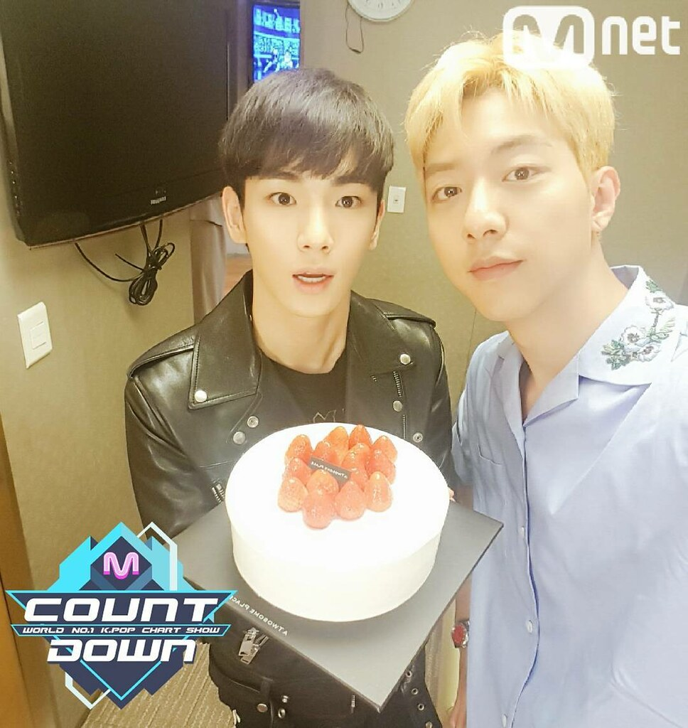 170413 MNET M! COUNTDOWN OFFICIAL TWITTER UPDATE WITH SHIN