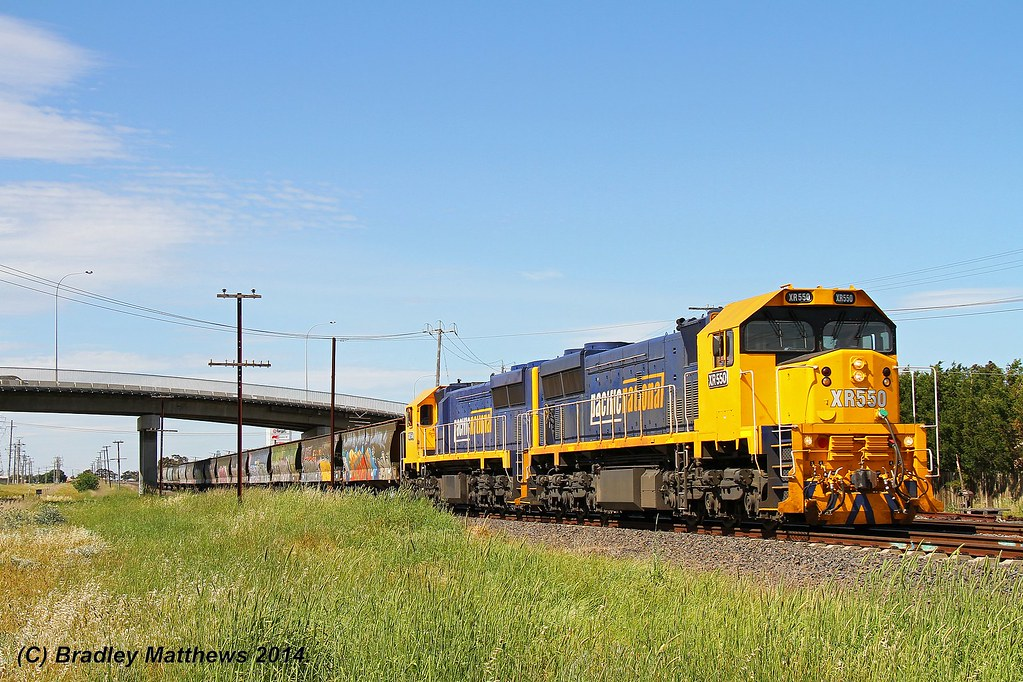 XR550-XR554 with #9543 up empty grain from Kensington to Tottenham via Somerton at Airport West (31/10/2014) by Bradley Matthews