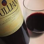 今夜のワインは、カリフォルニア カベルネ キャメルヴァレー産。Joullian 2007年。うん、これはなかなか本格派、旨い。今はナパより面白いかも。 #wine