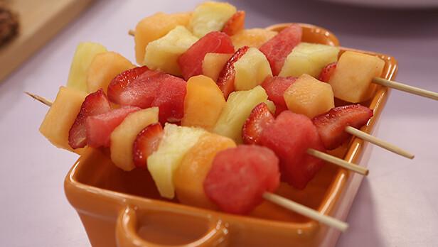 brochetas-frutas