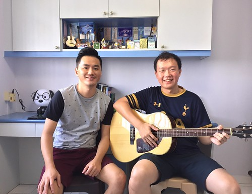 Adult guitar lessons Singapore Yew Chin