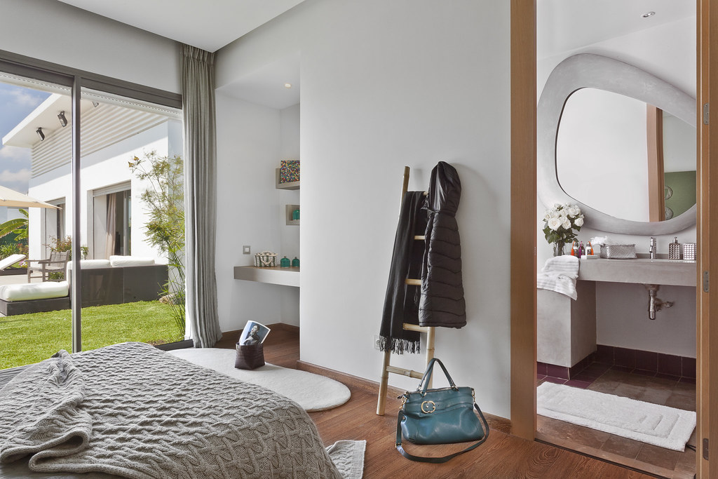 Genial ... Chambre à Coucher Avec Salle De Bain   Casadiaa   By Villas De  Plain Pied