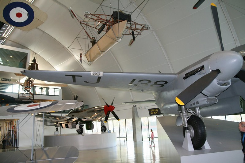 De Havilland Mosquito B.35 4