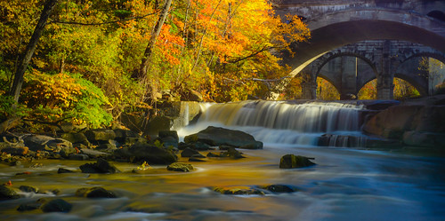 bridge autumn ohio reflection golden waterfall timelapse stream berea rockyriver bereafalls