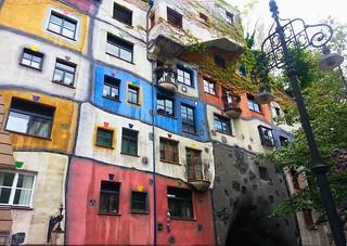Hundertwasserhaus | by VivaViena!
