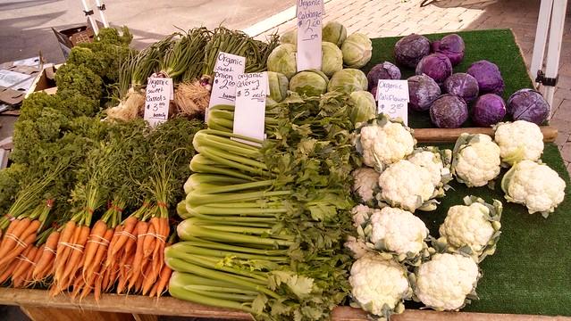 IMG_20141019_101939847_HDR goleta farmers carrot bunch celery cauliflower