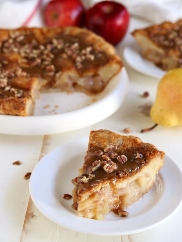 Apple Pear Praline Pie | completelydelicious.com | by Completely Delicious