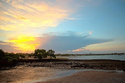 sunset sky weather clouds sunsetsandsunrisesgold cloudsstormssunsetssunrises