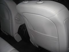 Mercedes clase E. Limpieza cuero respaldo. Despues