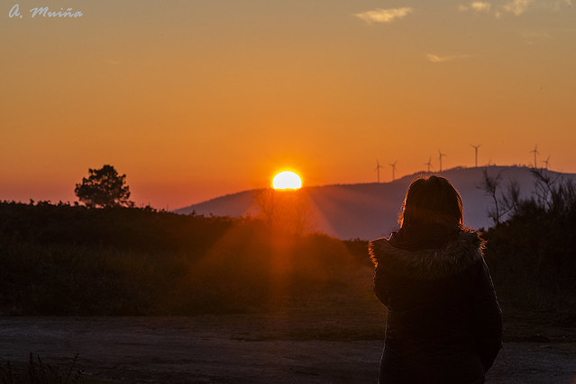 Observando puesta de sol. Watching the sunset