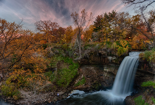 sunset fall minnehahafalls minnehahacreek fallfolliage minnesotawaterfalls