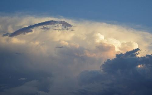 sky storm clouds australia queensland sunsetclouds sequeensland sunlitclouds springbrookplateau australianweather