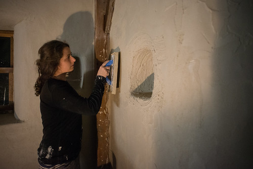 Tara Burnishing Lime Plaster Finish Coat with Sponge Float | by goingslowly
