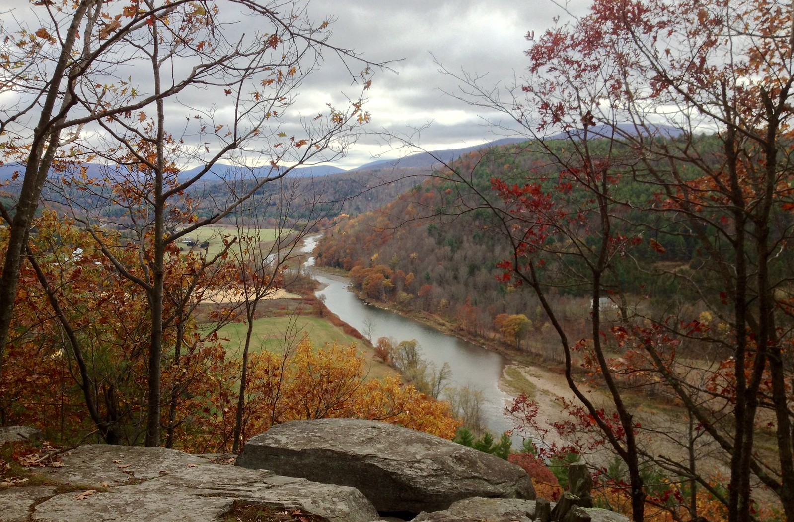 View of the Schoharie from above Pratt Rock Park