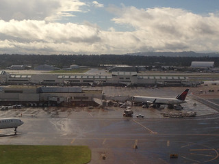 PDX Airport 26oct14 - 6   by andynash