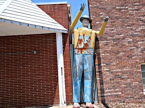 metal big cowboy slotin bufordgeorgia giantmetalcowboy slotinfolkarthouse