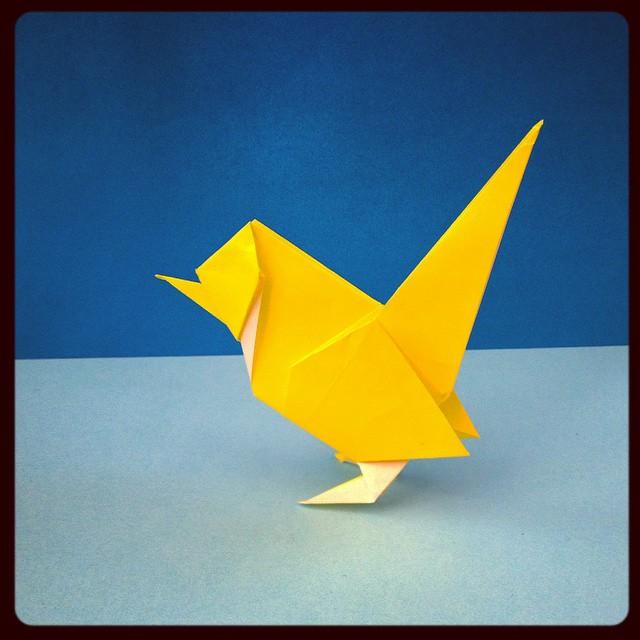 Wren designed by Roman Diaz. #origami #wren #bird #paper