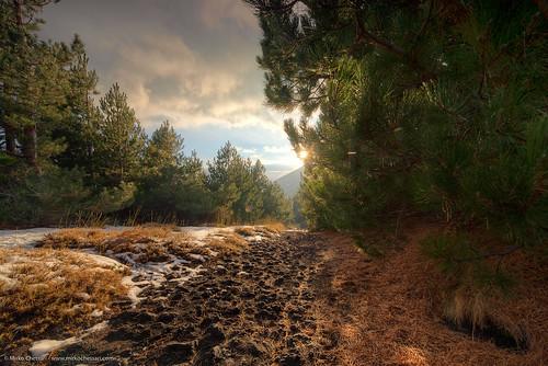 autumn sunset italy snow trekking trail sicily etna zafferanaetnea schienadellasino etnasud