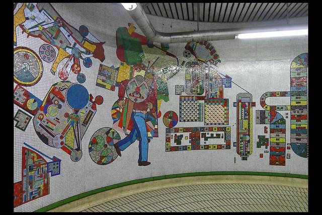 GB londen tottenham court road metrostation mozaiek 02 1984 paolozzi e (tottenham court rd)