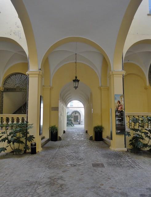 Pesaro - cortile