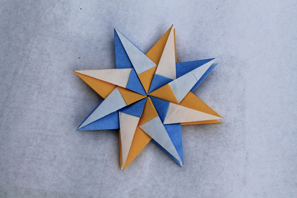 Origami Mandala of 13 details - Origami Modular Star - YouTube | 683x1024