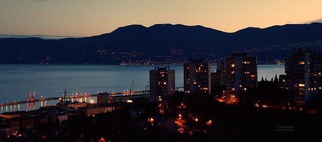 Trsatski pogled by night