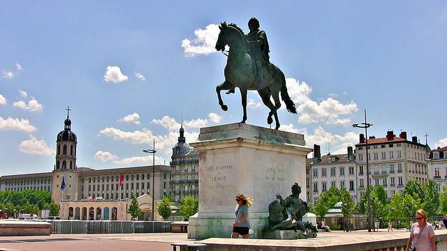 FRANCE -  unterwegs in Lyon,  Am Platz Bellecour, 12004a/4111