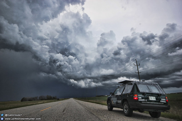 Severe Warned storm between Oxbow Sk to Pipestone MB.
