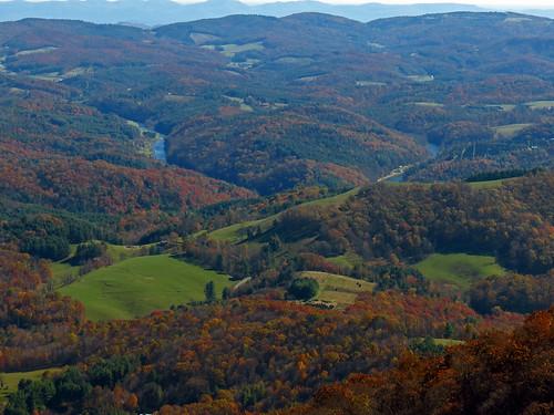landscape northcarolina westernnorthcarolina southernappalachians mountjeffersonstatenaturalarea canonpowershotsx40hs october2014