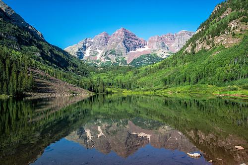 trees lake colorado co rockymountains maroonbells