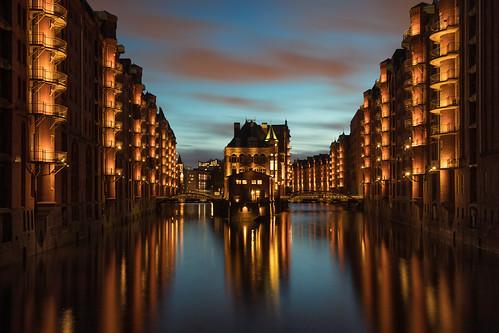 speicherstadt hamburg warehouse docklands sunset blue canon 5d mkiv mk4 canon5dmkiv wasserschloss schloss water castle wasser
