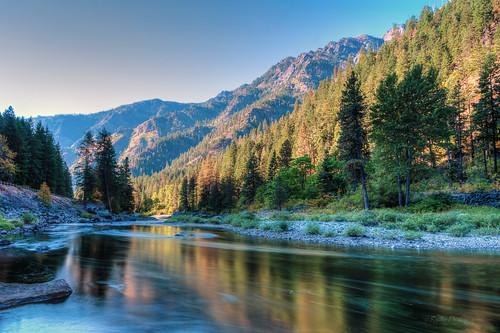 longexposure autumn sunrise river landscape nikon le pacificnorthwest washingtonstate cascademountains highway2 d610 wenatcheeriver stevenspasshighway nikon1635mmf4vr ryderphotographic howardryder