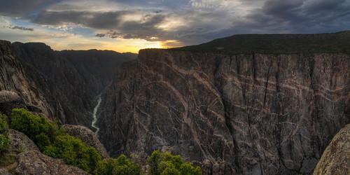 sunset panorama nature landscape nationalpark nikon colorado unitedstates outdoor canyon tokina overlook hdr crawford blackcanyonofthegunnison blackcanyon paintedwall d300 landscapephotography photomatix 1116mm