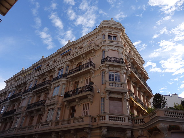 Building on the Rue Gounod