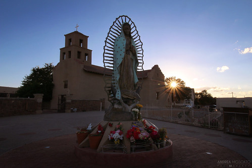 city flowers sunset shadow usa sun history church america us downtown tramonto unitedstates maria madonna ombra pueblo historic chiesa sacred mission sole città franciscan sacro santuario statiuniti missione nuestraseñoradeguadalupe andreamoscato
