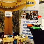 IDEA Netherlands (NL) launched its Debate Tree at the Africa Works conference on the 16th and 17th of October. It offers a new method to let debate and conference visitors' thoughts grow. About 100 visitors of the Africa Works conferences watered the tree with their ideas.