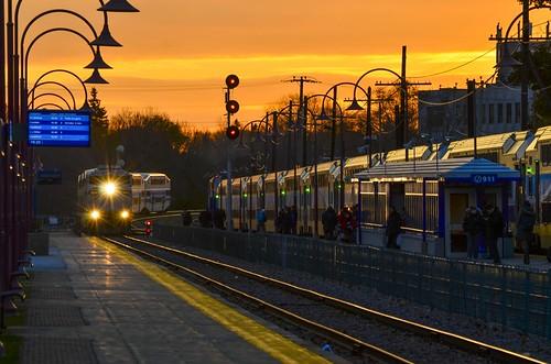 train quebec montreal bombardier emd gmd agencemétropolitainedetransport montrealwest f59ph westmountsub rbrx rbrx18523 multilevelcars amt191