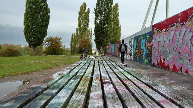 20141009 Berlin Prenzlauer Berg Mauerpark Graffiti Berliner Mauerweg (16)