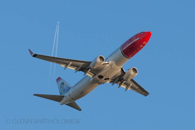 LN-DYQ, Boeing 737-800, Norwegian, LGW/EGKK