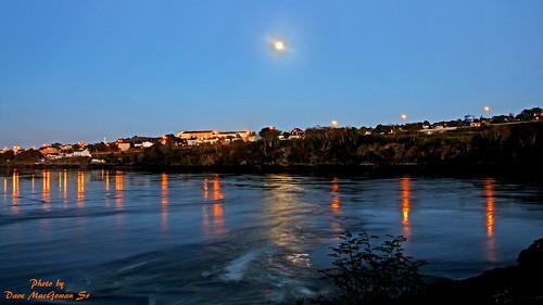 longexposure moon canada night evening newbrunswick bluehour nite saintjohn stjohnriver downstream reversingfalls