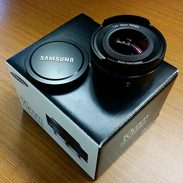 NX 10mm lens gift from Samsung.