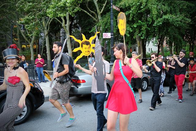 Manhattanhenge Surprise Parade