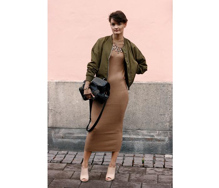 Pink Wall, Josefin Tatiana