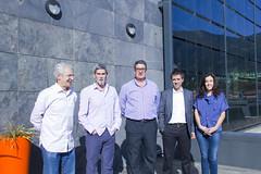 En la imagen se puede ver de izquierda a derecha a Carlos Totorika, Javier Portillo, José Antonio Fernández Celada, Miguel de los Toyos y Esther Ibarlucea